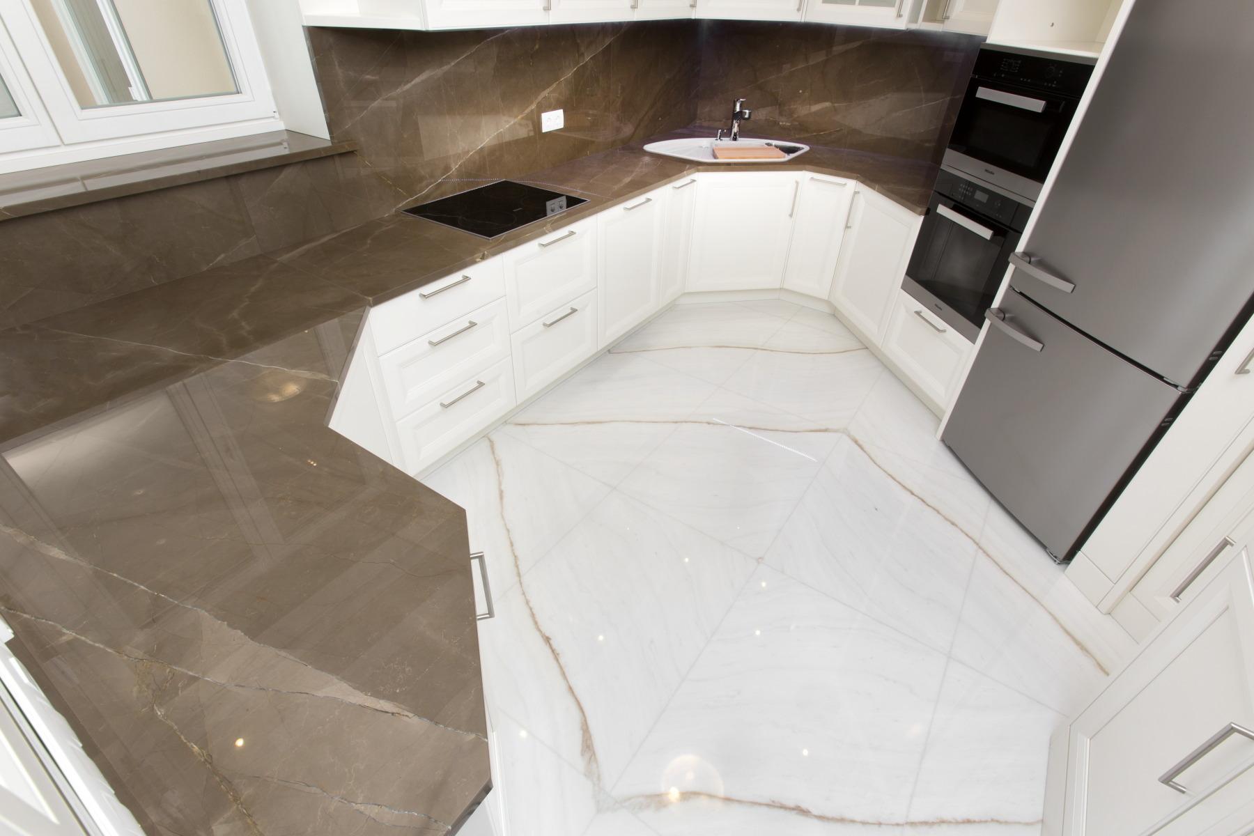 Vuoi personalizzare la tua nuova cucina con un piano di alta qualità ...