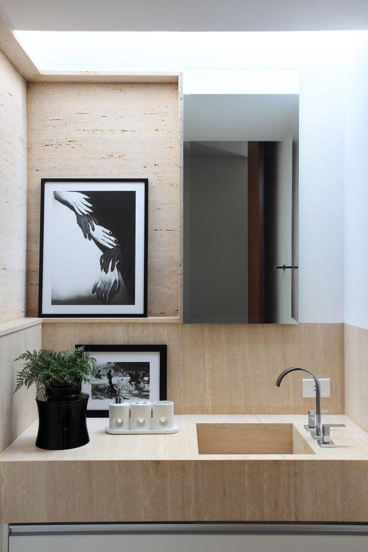 Qual il marmo pi usato in architettura si chiama - Bagno travertino ...